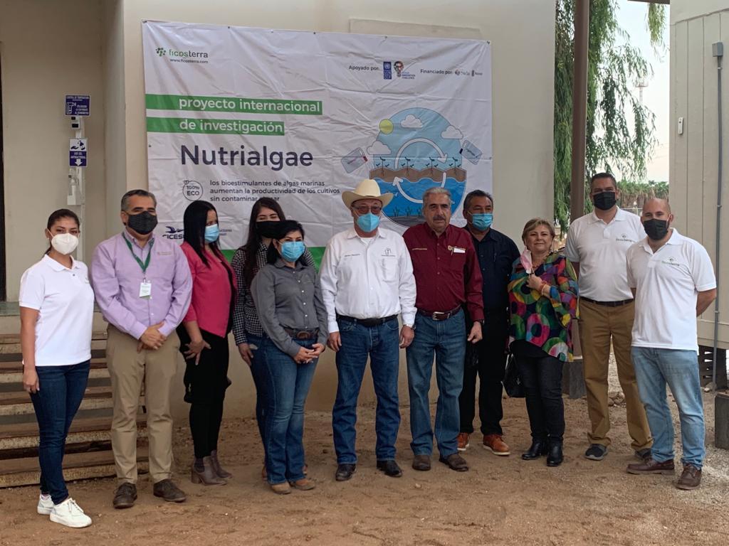 Varios miembros del equipo de investigación durante el acto de presentación del proyecto internacional Nutrialgae -UNDP-OIC en Mexicali (Méjico)